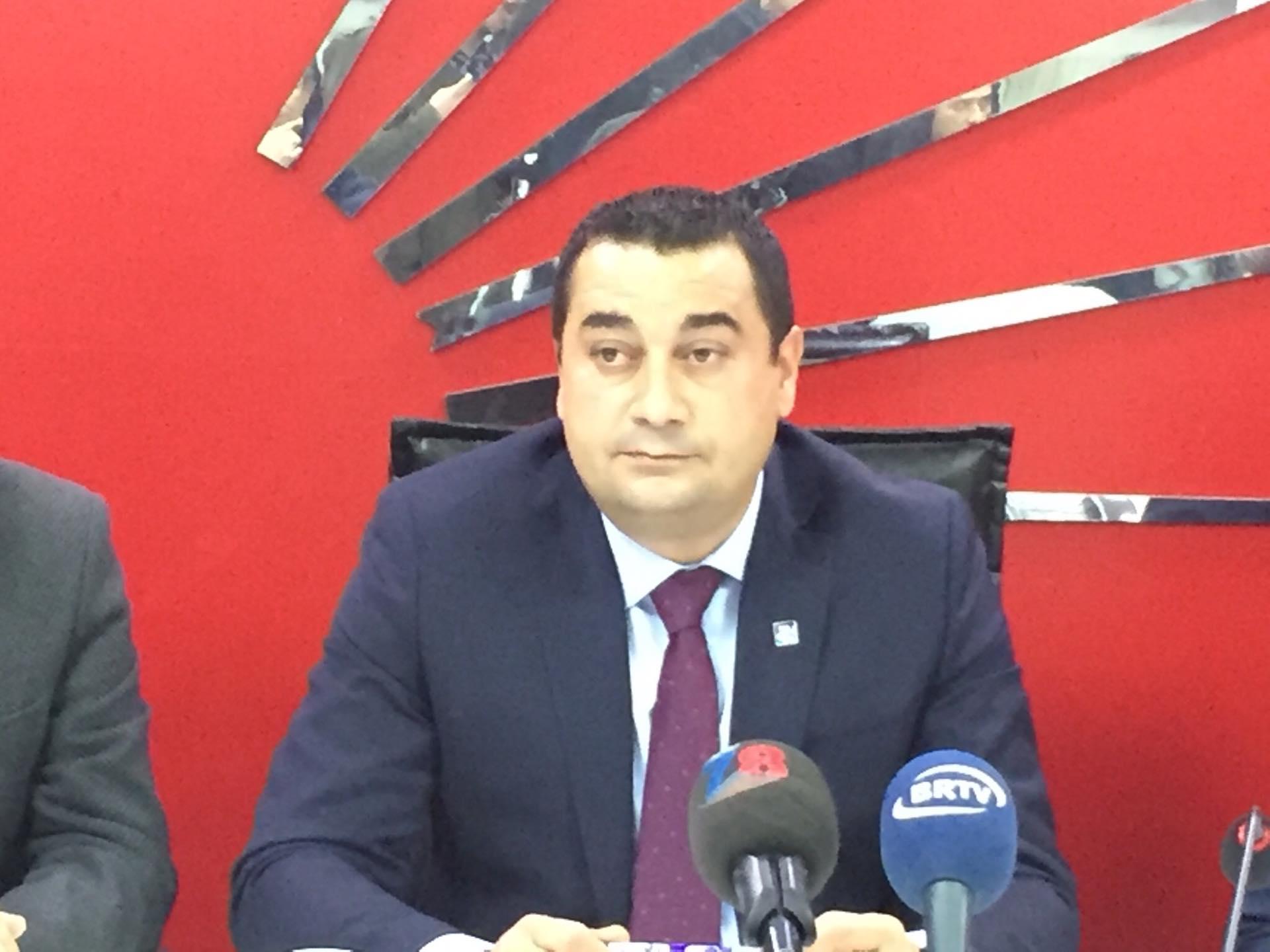 Demir Aşkı Ile Ailesi Arasında: Erdal Demir CHP İl Başkan Adayı Olduğunu Açıkladı
